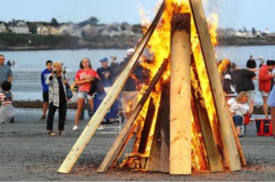 Graystone Builders York Beach Bonfire